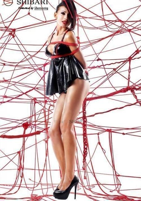 Беби долл с открытой спиной Shibari Tsuki с веревками для связывания, M