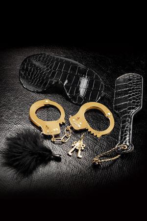 Набор Beginners Fantasy Kit из Наручников, Пуховки, Маски и Шлепалки черный с золотом