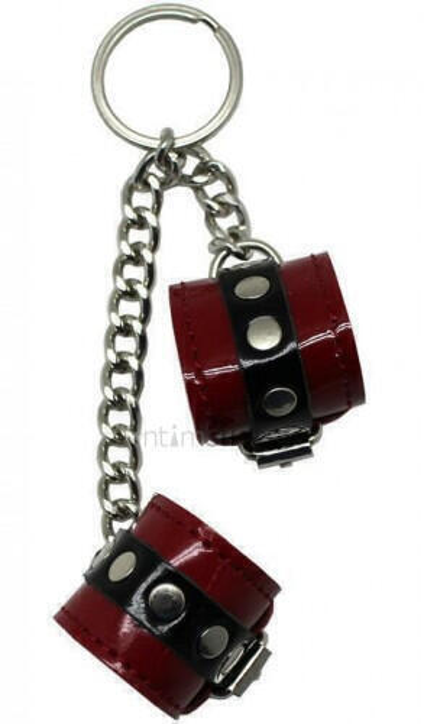 Сувенир-брелок наручники красные.